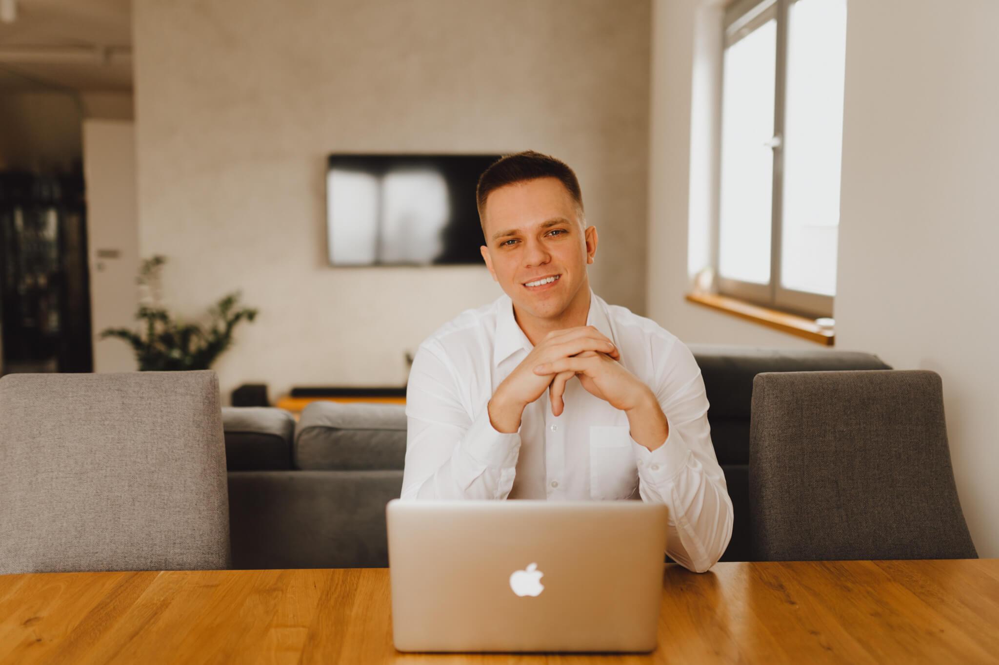 Maciej Pulikowski Fullstack Developer miłośnik Cybersecurity