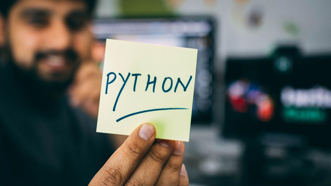 Wszystko, co musicie wiedzieć o Pythonie. Jakie ma wady, jakie zalety?